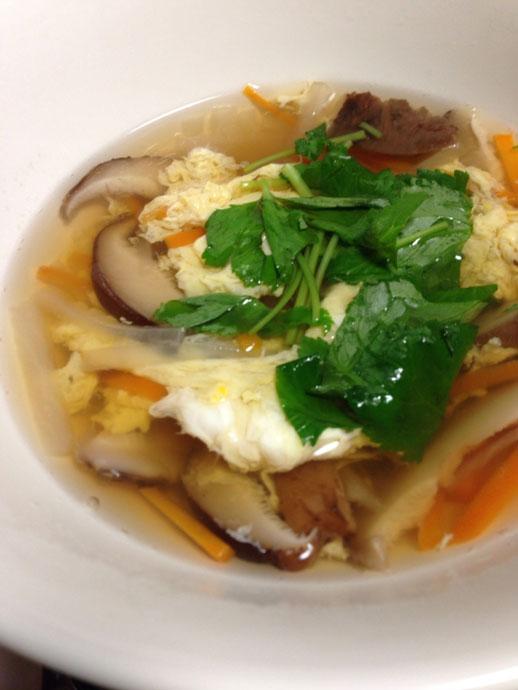 あご煮干しと干し椎茸と残り野菜を使った中華風スープ