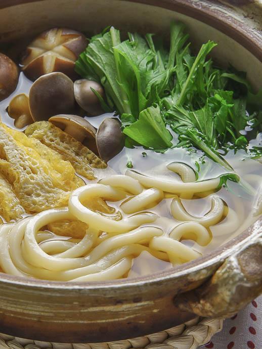 あご煮干しのあっさりコクのあるうどんすき鍋