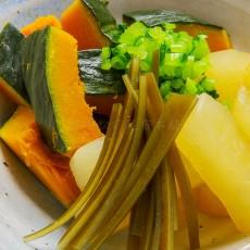煮物用削り節で作るかぼちゃと大根のあんかけ