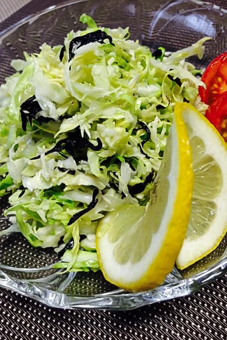 春キャベツと塩ひじきでつくる、ワインに合うかんたんサラダ