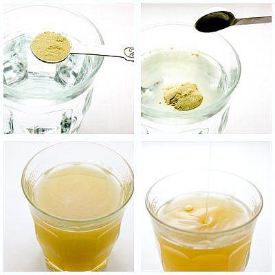 コップのお水にサラネバ2グラムを入れてます。ダマにならないように注意しながらよくかき混ぜると2分ほどで粘りのある昆布水にかわります