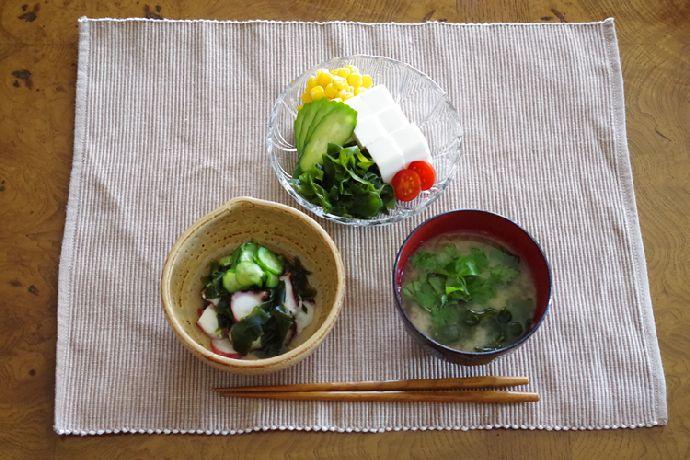 シャキシャキの歯ごたえだから海藻サラダやお刺身わかめで美味しく召し上がって頂けます